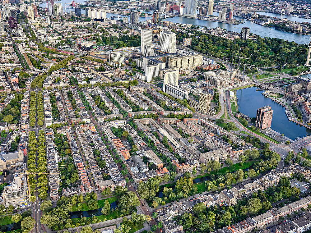 Nederland, Zuid-Holland, Rotterdam, 14-09-2019; Stadsgezicht Rotterdam-West Middelland, met Heemraadspark en Mathenesserlaan. Dijkzigt Ziekenhuis, Erasmus MC.<br /> Cityscape Rotterdam-West Middelland, with Heemraadspark and Mathenesserlaan. Dijkzigt Hospital, Erasmus MC.<br /> luchtfoto (toeslag op standard tarieven);<br /> aerial photo (additional fee required);<br /> copyright foto/photo Siebe Swart