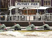 Putney, London, ENGLAND, 28.03.2006, Vambridge paddle past Putney Pier. 2006, Boat Race, Varsity, Tideway Week, Tuesday,  © Peter Spurrier/Intersport-images.com.[Mandatory Credit Peter Spurrier/ Intersport Images] Varsity, Boat race. Rowing Course: River Thames, Championship course, Putney to Mortlake 4.25 Miles