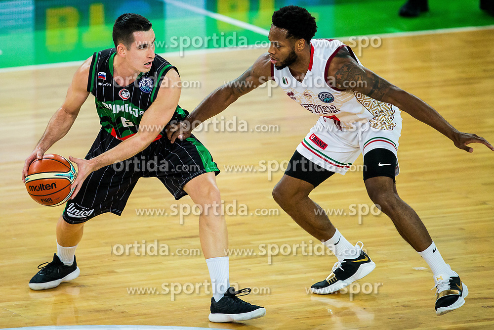 Jan Span of Petrol Olimpija vs Marquez Haynes of Umana Reyer Venezia   during basketball match between KK Petrol Olimpija Ljubljana and Umana Reyer Venezia (ITA) in Round #5 of FIBA Basketball Champions League 2017/18, on November 7, 2017 in Arena Stozice, Ljubljana, Slovenia. Photo by Vid Ponikvar / Sportida