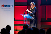 Koningin Maxima neemt deel aan het jaarlijkse evenement NLgroeit, een platform voor ondernemers die willen hun bedrijf te laten groeien in de Fokker Terminal in Den Haag <br /> <br /> Queen Maxima of The Netherlands attends the annual event NLgroeit, a platform for entrepreneurs who want to grow their business in the Fokker Terminal in the Hague