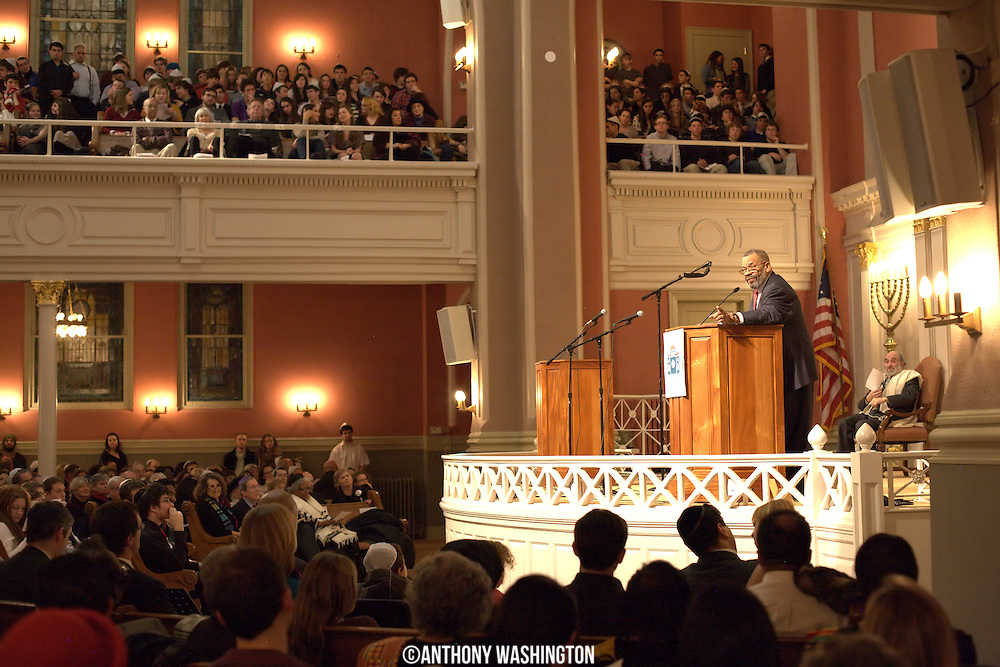 Reverend Goodwin Douglas addresses a capacity crowd at the 7th Annual Dr. Martin Luther King, Jr. Shabbat at the Sixth & I Synagogue in Washington, DC on Friday, January 14, 2011.