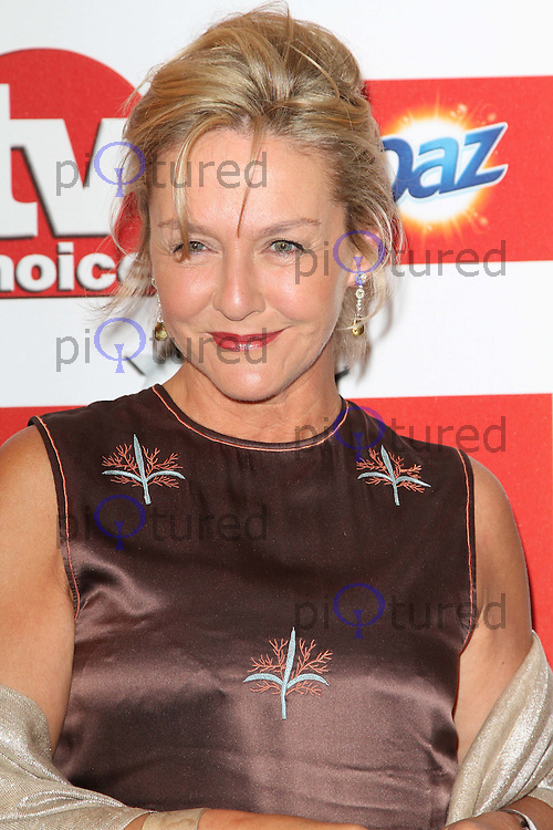 Amanda Burton TVChoice Awards, Savoy Hotel, London, UK. 13 September 2011 Contact: Rich@Piqtured.com +44(0)7941 079620 (Picture by Richard Goldschmidt)