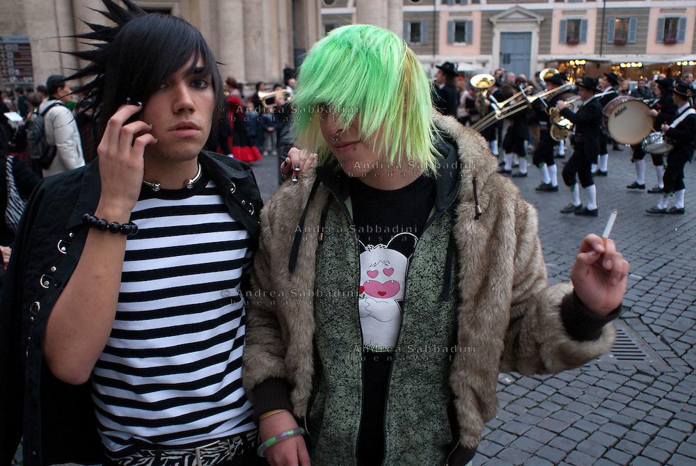 Roma, Italia 22/11/2008: Giovani Emo a piazza del Popolo