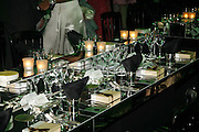 Gala champagne reception and dinner in aid of CLIC Sargent.  Grosvenor House Art and Antiques Fair.  Grosvenor House. Park Lane. London. 15  June 2006. ONE TIME USE ONLY - DO NOT ARCHIVE  © Copyright Photograph by Dafydd Jones 66 Stockwell Park Rd. London SW9 0DA Tel 020 7733 0108 www.dafjones.com