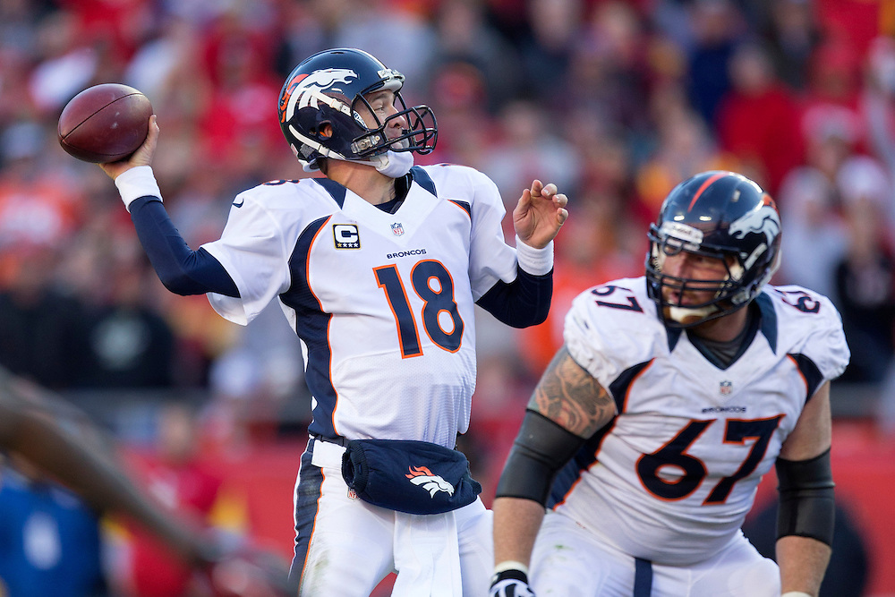 KANSAS CITY, MO - NOVEMBER 25: Peyton Manning #18 throws a pass against the Kansas City Chiefs at Arrowhead Stadium on November 25, 2012 in Kansas City, Missouri.  The Broncos defeated the Chiefs 17-9. (Photo by Wesley Hitt/Getty Images) *** Local Caption *** Peyton Manning