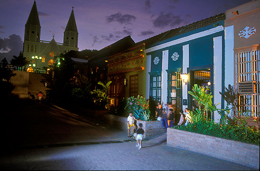 Barrio Santa Lucia de noche, Maracaibo, Estao Zulia, Venezuela