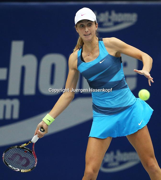 Generali Ladies Linz  2012,WTA Tour, Damen.Hallen Tennis Turnier in Linz, Oesterreich,.Petra Martic (CRO),Aktion, Einzelbild,Halbkoerper,Hochformat,
