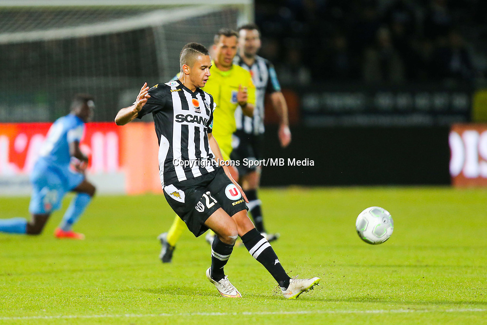 Axel NGANDO  - 26.01.2015 - Angers / Brest - 21eme journee de Ligue 2 -<br /> Photo : Vincent Michel / Icon Sport