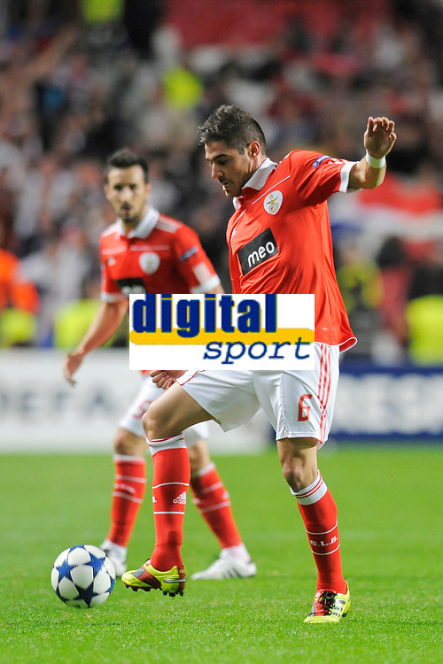 FOOTBALL - CHAMPIONS LEAGUE 2010/2011 - GROUP STAGE - GROUP B - SL BENFICA v OLYMPIQUE LYONNAIS - 02/11/2010 - PHOTO JEAN MARIE HERVIO / DPPI -  JAVI GARCIA (BEN)