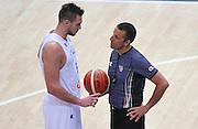 DESCRIZIONE : Trento Nazionale Italia Uomini Trentino Basket Cup Italia Repubblica Ceca Italy Czech Republic<br /> GIOCATORE : Danilo Gallinari arbitro Roberto Begnis<br /> CATEGORIA : fairplay arbitro<br /> SQUADRA : Italia Italy arbitro<br /> EVENTO : Trentino Basket Cup<br /> GARA : Trentino Basket Cup Italia Repubblica Ceca Italy Czech Republic<br /> DATA : 17/06/2016<br /> SPORT : Pallacanestro<br /> AUTORE : Agenzia Ciamillo-Castoria/A.Scaroni<br /> Galleria : FIP Nazionali 2016<br /> Fotonotizia : Trento Nazionale Italia Uomini Trentino Basket Cup Italia Repubblica Ceca Italy Czech Republic