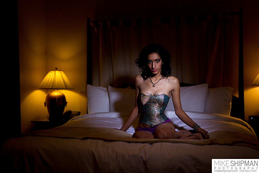 Giovanna Hernandez photo shoot at Harrison Hotel, Presidential Suite, Boudoir test. MR