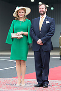 Staatsbezoek aan Luxemburg dag 1 / State visit to Luxembourg day 1<br /> <br /> Op de foto / On the photo: Aankomst op Vliegveld Luxemburg met Erfgroothertog Guillaume en Erfgroothertogin Stephanie van Luxemburg , Koning Willem Alexander en Koningin Maxima  / Arrival at Airport Luxembourg with Grand Ducal Guillaume and Erfgroothertogin Stephanie of Luxembourg , King Willem Alexander and Queen Maxima