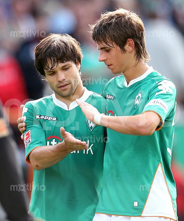 FUSSBALL     1. BUNDESLIGA    SAISON 2007/2008 DIEGO (li) und Martin HARNIK (re, beide SV Werder Bremen)