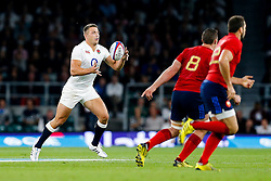 England Inside Centre Sam Burgess in action - Mandatory byline: Rogan Thomson/JMP - 07966 386802 - 15/08/2015 - RUGBY UNION - Twickenham Stadium - London, England - England v France - QBE Internationals 2015.