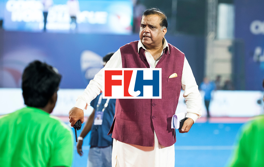 BHUBANESWAR - Batra , president FIH,  na de finale.  Hockey World League finals , Final Australia-Argentina (2-1) . Australia wint de finale. COPYRIGHT KOEN SUYK