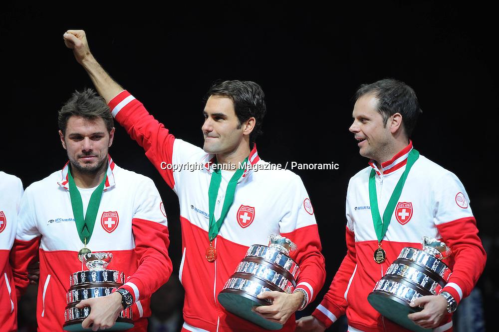 remise de la coupe, Roger Federer, Stan Wawrinka et Seve Luthi (Sui)