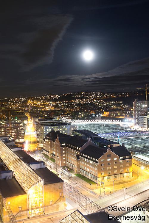 Oslo by night.<br /> Foto: Svein Ove Ekornesvåg