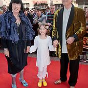 NLD/Amsterdam/20110417 - Premiere musical Zorro, Jan Jansen, partner Tonny en kleinkind