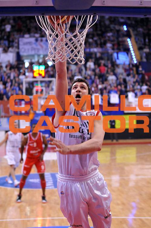 DESCRIZIONE : Biella Lega A 2011-12 Angelico Biella Cimberio Varese<br /> GIOCATORE : Albert Miralles<br /> CATEGORIA : Tiro<br /> SQUADRA : Angelico Biella<br /> EVENTO : Campionato Lega A 2011-2012<br /> GARA : Angelico Biella Cimberio Varese<br /> DATA : 09/04/2012<br /> SPORT : Pallacanestro<br /> AUTORE : Agenzia Ciamillo-Castoria/S.Ceretti<br /> Galleria : Lega Basket A 2011-2012<br /> Fotonotizia : Biella Lega A 2011-12 Angelico Biella Cimberio Varese<br /> Predefinita :