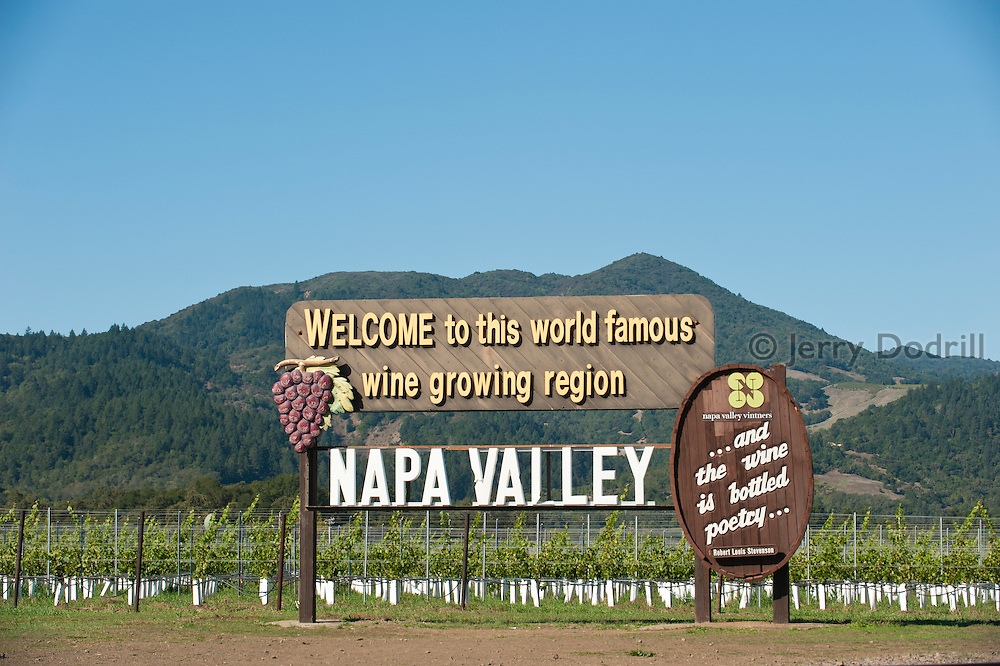 Welcome sign, Napa Valley, California