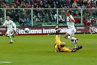 Firenze 9-1-05<br />Campionato di calcio Serie A 2004-05 <br />Fiorentina Lazio<br />nella  foto il gol di Di Canio<br />Foto Snapshot / Graffiti