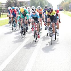 30-09-2016: Wielrennen: Olympia Tour: Zutphen<br />ZUTPHEN (NED) wielrennen  <br />Leider Sivakov (Geel) sleurde op kop in de eerste waaier