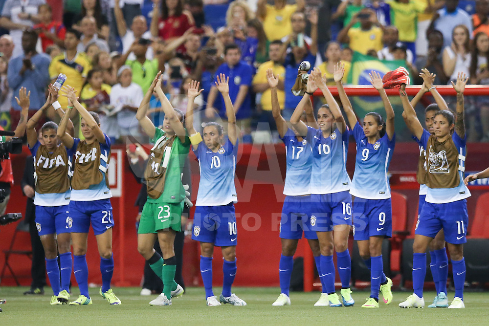 MONTREAL, CANADA, 13.06.2015 - BRASIL-ESPANHA - Jogadoras do Brasil durante partida contra a Espanha, jogo da segunda rodada do grupo E da Copa do Mundo de Futebol Feminino no Estádio Olimpico de Montreal no Canada neste sábado, 13.   (Foto: William Volcov/Brazil Photo Press)