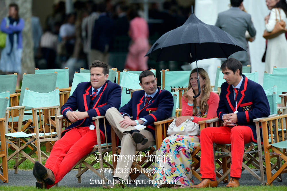 Henley, GREAT BRITAIN,   General Views, Henley course and Spectators. 2012 Henley Royal Regatta. Friday  18:54:07  29/06/2012. [Mandatory Credit, Peter Spurrier/Intersport-images] ..Rowing Courses, Henley Reach, Henley, ENGLAND . HRR.