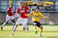 KERKRADE - 20-11-2016, Roda JC - AZ, Park Stad Limburg Stadion, 1-1, AZ speler Wout Weghorst, Roda JC speler Martin Milec.