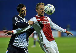 18.10.2011, Stadion Maksimir, Zagreb, CRO, UEFA CL, Gruppe D, Dinamo Zagreb (CRO) vs Ajax Amsterdam (NED), im Bild  Siem de Jong, Tonel // during UEFA Champions League group D match between Dinamo Zagreb (CRO) and Ajax Amsterdam (NED)) at Maksimir Stadium, Zagreb, Croatia on 18/10/2011. . EXPA Pictures © 2011, PhotoCredit: EXPA/ nph/ PIXSELL  **** only for AUT       ****** out of GER / CRO  / BEL ******