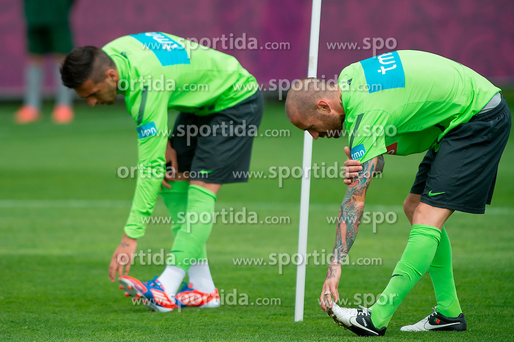 06.06.2012, Sportzentrum Remes, Opalenica, POL, UEFA EURO 2012, Portugal, Training, im Bild HUGO MIGUEL LOPES, RAUL MEIRELES // during EURO 2012 Trainingssession of Portugal Nationalteam, at the Sportcenter Remes, Opalenica, Poland on 2012/06/06. EXPA Pictures © 2012, PhotoCredit: EXPA/ Newspix/ Jakub Kaczmarczyk..***** ATTENTION - for AUT, SLO, CRO, SRB, SUI and SWE only *****