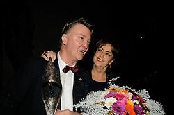 15-12-2009 ALGEMEEN: NOC NSF SPORTGALA 2009: AMSTERDAM<br /> Louis van Gaal, coach van het jaar en zijn vrouw Truus<br /> ©2009-WWW.FOTOHOOGENDOORN.NL