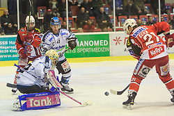 06.01.2015, Stadthalle, Klagenfurt, AUT, EBEL, EC KAC vs EHC LIWEST Black Wings Linz, 36. Runde, im Bild Thomas Dechel (EHC Liwest Black Wings Linz,#92), Thomas Koch (EC KAC, #18), Curtis Murphy (EHC Liwest Black Wings Linz,#41), Manuel Geier (EC KAC, #21) // during the Erste Bank Icehockey League 36rd round match betweeen EC KAC and LIWEST Black Wings Linz at the City Hall in Klagenfurt, Austria on 2015/01/06. EXPA Pictures © 2015, PhotoCredit: EXPA/ Gert Steinthaler