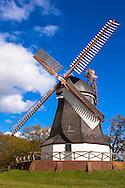 Europe, Germany, Lower Saxony, Worpswede, this wind mill from 1838 is the landmark of the village Worpswede.<br /> <br /> Europa, Deutschland, Niedersachsen, Worpswede, die Worpsweder Muehle von 1838 gilt als Wahrzeichen des Ortes.