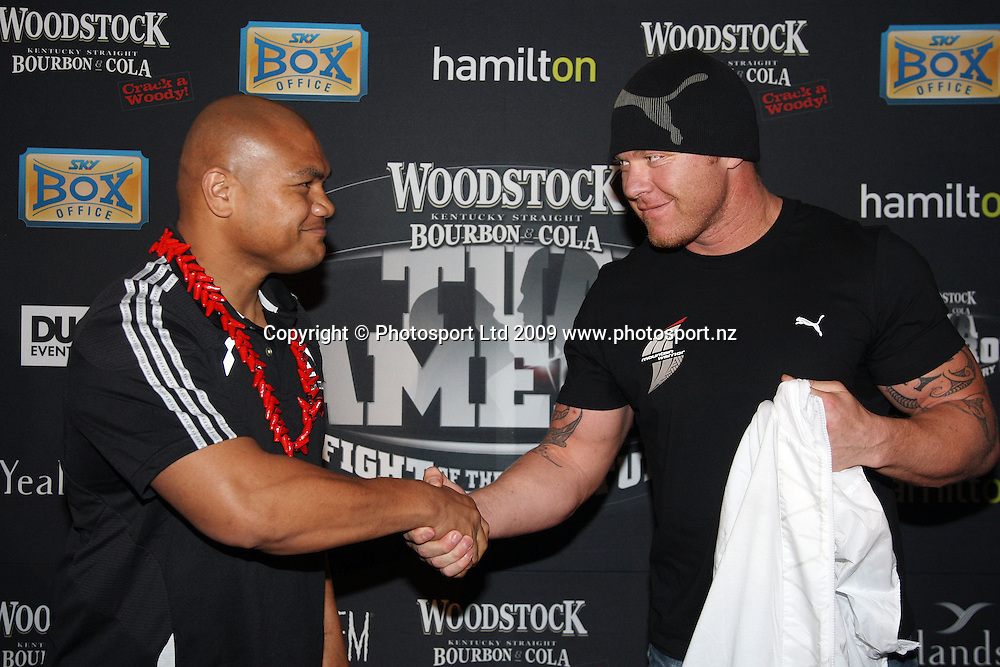 David Tua (L) and Shane Cameron, Woodstock Fight of the Century press conference, David Tua v Shane Cameron, Northern Steamship Co, Auckland City. 30 September 2009. Photo: Andrew Cornaga/PHOTOSPORT