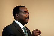 Leon Harris speaks to faulty and Ohio University administration during a luncheon on September 12, 2006 at Ohio University in Athens, Ohio.  The event was part of a Scripps School of Communication Day.