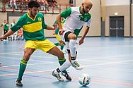 Zaalvoetbal Gouda Eerste Divisie 2014-2015 Watergras - ZVV Den Haag: Omar el Idrissi van Watergras (groen wit)