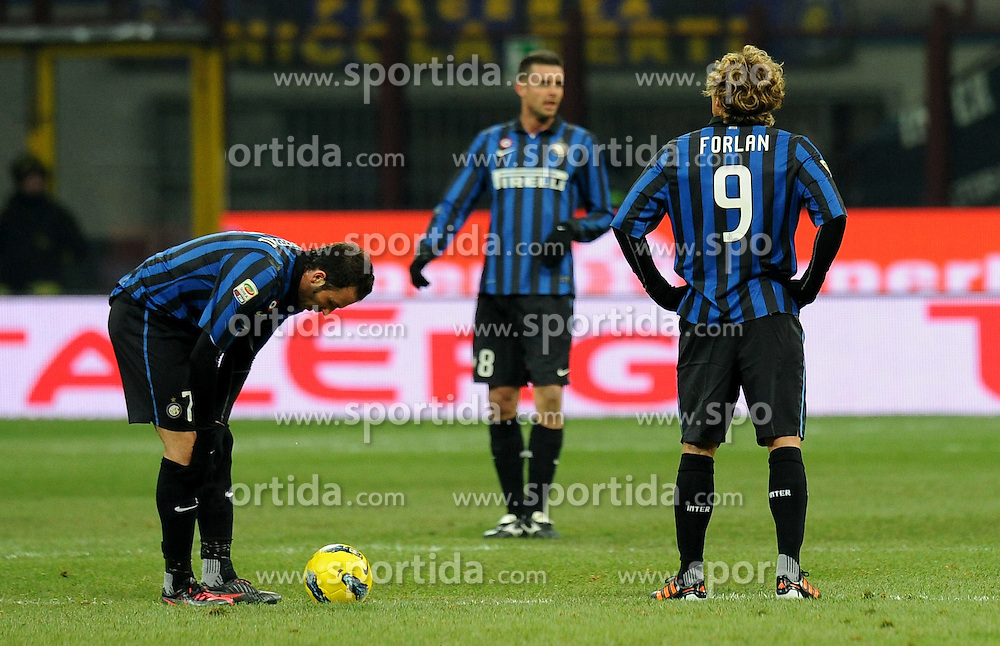 21.12.2011, Stadion Giuseppe Meazza, Mailand, ITA, Serie A, Inter Mailand vs US Lecce, 16. Spieltag, im Bild delusione inter dopo gol subito (Inter) // during the football match of Italian 'Serie A' league, 16th round, between Inter Mailand and US Lecce at Stadium Giuseppe Meazza, Milan, Italy 2011/12/21. EXPA Pictures © 2011, PhotoCredit: EXPA/ Insidefoto/ Alessandro Sabattini..***** ATTENTION - for AUT, SLO, CRO, SRB, SUI and SWE only *****