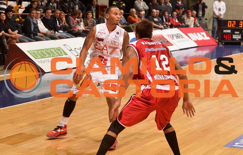 DESCRIZIONE : Desio campionato serie A 2013/14 EA7 Olimpia Milano Giorgio Tesi Group Piastoia <br /> GIOCATORE : Curtis Jerrells<br /> CATEGORIA : palleggio<br /> SQUADRA : EA7 Olimpia Milano<br /> EVENTO : Campionato serie A 2013/14<br /> GARA : EA7 Olimpia Milano Giorgio Tesi Group Piastoia<br /> DATA : 04/11/2013<br /> SPORT : Pallacanestro <br /> AUTORE : Agenzia Ciamillo-Castoria/R. Morgano<br /> Galleria : Lega Basket A 2013-2014  <br /> Fotonotizia : Desio campionato serie A 2013/14 EA7 Olimpia Milano Giorgio Tesi Group Piastoia<br /> Predefinita :