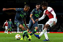 Alex Iwobi of Arsenal takes on Bruno Gaspar of Sporting Lisbon - Mandatory by-line: Robbie Stephenson/JMP - 08/11/2018 - FOOTBALL - Emirates Stadium - London, England - Arsenal v Sporting Lisbon - UEFA Europa League