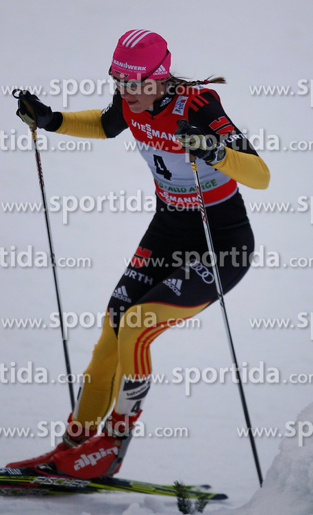 03.01.2013, Nordische Arena, Toblach, ITA, FIS Langlauf Weltcup, Tour de Ski 2013, Damen, 15km Verfolgung, im Bild Denise Harrmann // during Ladies 15 km Free Pursuit of the Tour de Ski 2013 of the FIS cross country world cup at nordic arena in Dobiacco, Italy on 2013/01/03. EXPA Pictures © 2013, PhotoCredit: EXPA/ Newspix/ Irek Dorozanski..***** ATTENTION - for AUT, SLO, CRO, SRB, BIH, TUR, SUI and SWE only *****