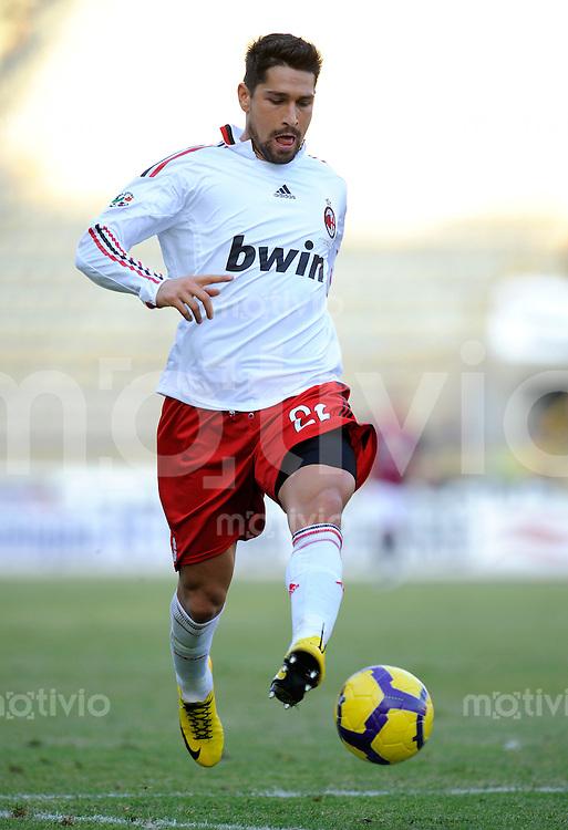 FUSSBALL INTERNATIONAL   SERIE A   SAISON 2009/2010    FC Bologna -  AC Mailand       07.02.2010,  Marco Borriello  (Milan)