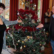 NLD/Amsterdam/20111208- Sky Radio Christmas tree for Charity, Evert Santegoeds en Wilma Nanninga