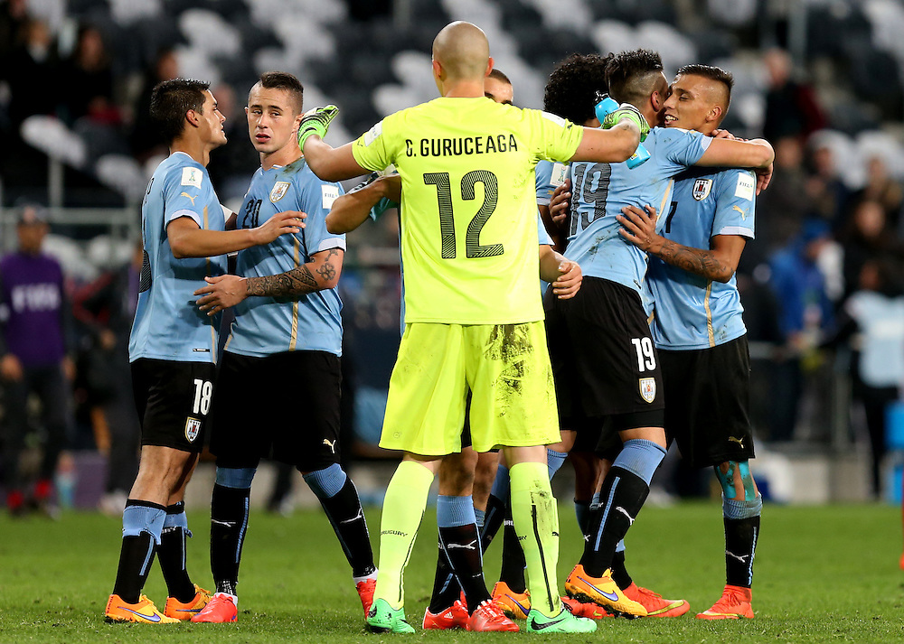 Players of Uruguay celebrate their win in the FIFA Under-20 World Cup 2015 group D match between Uruguay and Serbia in Dunedin, New Zealand, 31 May 2015. Credit: SNPA/Dianne Manson