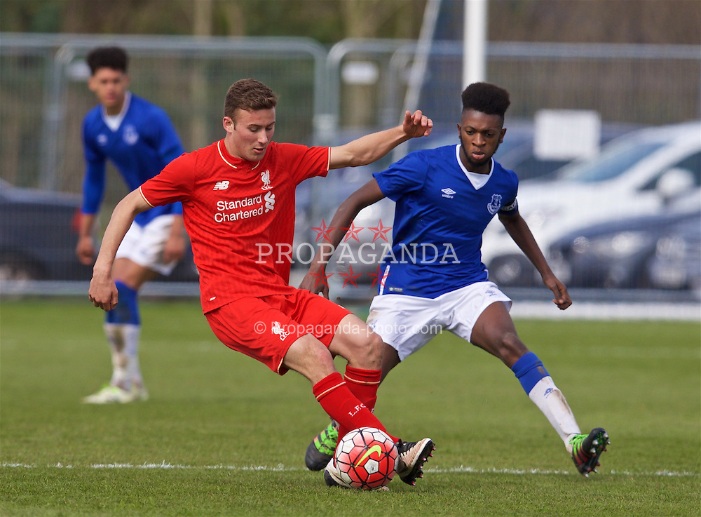 LIVERPOOL, ENGLAND - Saturday, April 9, 2016: Liverpool's Herbie Kane in action against Everton's Beni Baningime during the FA Premier League Academy match at Finch Farm. (Pic by David Rawcliffe/Propaganda)