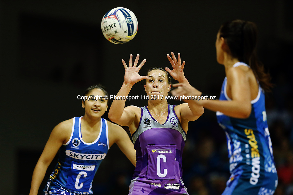 Emma Iversen of the Stars in action. 2017 ANZ Premiership netball match, Northern Mystics v Northern Stars at The Trusts Arena, Auckland, New Zealand. 11 June 2017 © Copyright Photo: Anthony Au-Yeung / www.photosport.nz