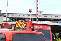 Mannheim. 29.07.17   &Uuml;bung um M&uuml;hlauhafen<br /> M&uuml;hlauhafen. Rettungs&uuml;bung von Feuerwehr DLRG und ASB. Das Szenario: Ein Fahrgastschiff brennt und die Passagiere m&uuml;ssen gerettet werden. <br /> Auf der MS Oberrhein wird ge&uuml;bt. Dazu ankert das Schiff in der Fahrrinne des M&uuml;hlauhafens. Das Feuerl&ouml;schboot Metropolregion 1 kommt dazu.<br /> <br /> BILD- ID 0910  <br /> Bild: Markus Prosswitz 29JUL17 / masterpress (Bild ist honorarpflichtig - No Model Release!)