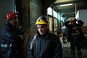 In attesa della 'gabbia' prima di entrare in miniera