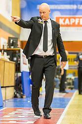 29.05.2019, SPH Walfersam, Kapfenberg, AUT, Admiral BBL, Kapfenberg Bulls vs Swans Gmunden, Finale, 1. Spiel, im Bild Head Coach, Mike Coffin (Kapfenberg Bulls) // during the Admiral Basketball league, 1st final match between Kapfenberg Bulls and Swans Gmunden at the SPH Walfersam in Kapfenberg, Austria on 2019/05/29. EXPA Pictures © 2019, PhotoCredit: EXPA/ Dominik Angerer