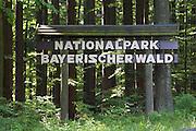 Schild Nationalpark Bayerischer Wald, Bayerischer Wald, Bayern, Deutschland  national park sign, Bavarian Forest, Bavaria, Germany